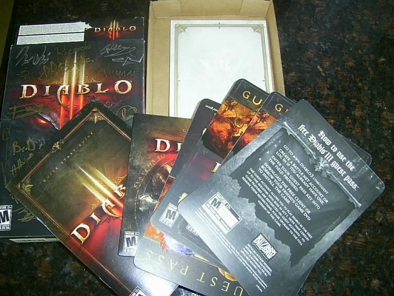Diablo 3 III AUTOGRAPHED SIGNED SIGNATURES PC CD game